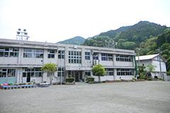 稲子小学校